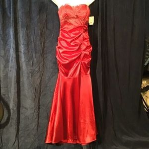 Red mermaid prom/formal dress, sequins/satin, NWT